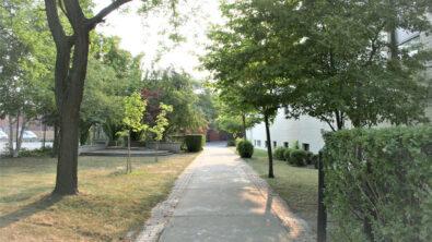 school-side2